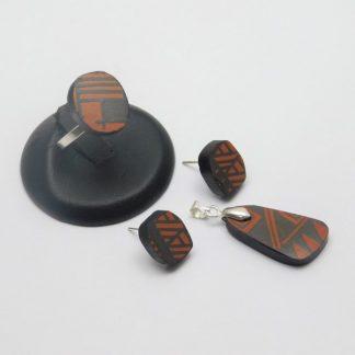 Mosaico plateado y cerámica Mata Ortiz,. Pídalo con la clave: MoCMOpt/009. PIEZA ÚNICA