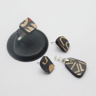 Mosaico plateado y cerámica Mata Ortiz,. Pídalo con la clave: MoCMOpt/005. PIEZA ÚNICA