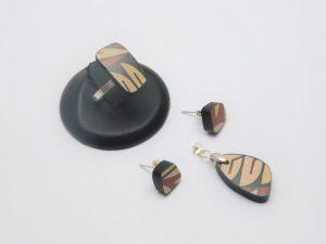 Mosaico plateado y cerámica Mata Ortiz,. Pídalo con la clave: MoCMOpt/003. PIEZA ÚNICA