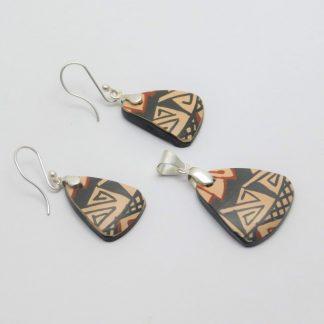 Mosaico en plata ley .950 y cerámica Mata Ortiz. pídala con la clave MoCMOAg/003. PIEZA ÚNICA